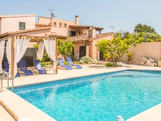 Country house with pool near the golf course Pula, Son Servera