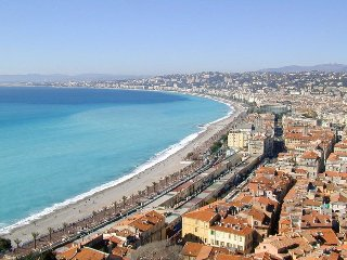 Steps to beaches, heart of historic old town, Nice