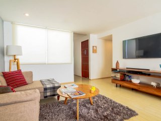 Bright and beautiful apartment in Narvarte