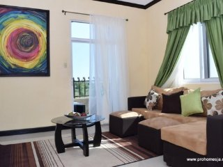 Jamaica Vacation Rentals - 1 bedroom Spacious and a must stay, Kingston Home