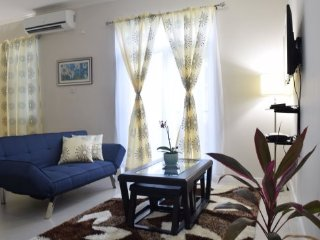 Jamaica Vacation Rentals – Chic Mod City Studio