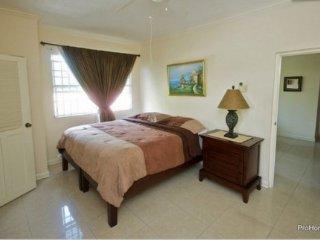 Kingston Jamaica Holiday Home - beautiful Kingston Jamaica vacation home