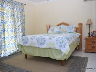 Jamaica Vaction Rental - New Kingston Accommodation for two