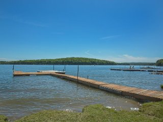 Wonderful 3 Bedroom Lakefront home w/ Private Dock in serene setting!