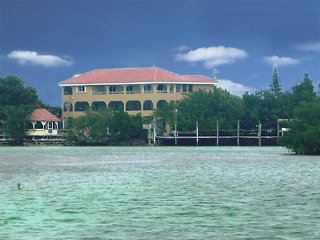 Florida Keys Fishing & Diving, waterfront Home heated pool, deep dock, parking