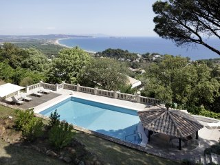 Luxury Stone apartment, with private garden & pool, Begur
