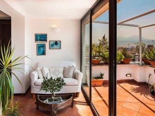 Naples Center Apartment, Nápoles
