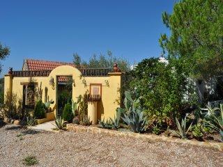 Casa Rural Delta Ebro Villafeliche and Yurt, Camarles