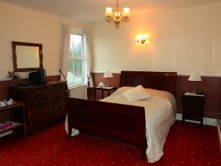 Fountain Guest House large double en suite room, Ripon