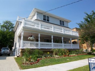 Extra Large Home With 5 Bedrooms, 4.5 Bath, Asbury Park