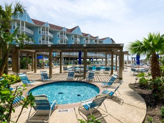 Beachfront Seascape 2BR 2BA Sleeps 8 NEW LISTING!!, Galveston