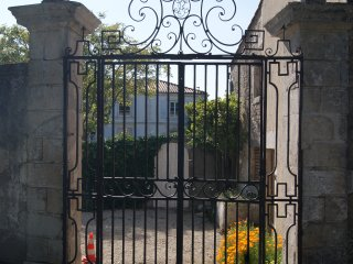 Proche La Rochelle agreable petite maison au calme
