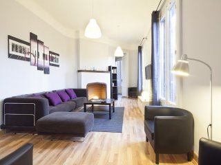 Gran Plaza Universidad apartment in Eixample Dreta with WiFi, airconditioning, balkon & lift., Barcelona