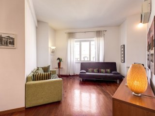 Caverni apartment in Prati with WiFi, balkon & lift.