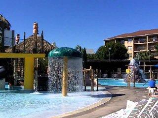 2BD/2BATH CONDO ~ Liki Tiki Village Resort ~ Waterpark FULL KITCHEN/JETTED TUB, Winter Garden