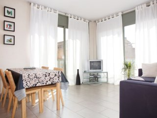 Ayma Platja apartment in Poblenou with WiFi, integrated air conditioning (hot /