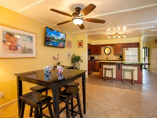 Spacious 1-bdrm w/ large lanai, AC, Steps to Pool!, Kihei