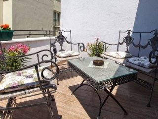 Galata Terrace Loft apartment in Beyoğlu with WiFi, airconditioning