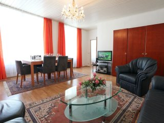 Mozart XV apartment in 05. Margareten with WiFi, air conditioning & lift.