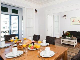Passeig de Gracia Vintage apartment in Eixample Dreta with WiFi, air conditionin