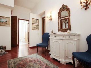 Vatican apartment in Vaticano with WiFi, airconditioning & lift., Roma