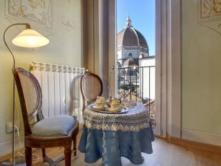 Cupido apartment in Duomo with WiFi & air conditioning.