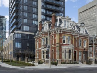 Fully Furnished Downtown Executive Suite, Toronto