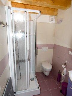 bagno con doccia idromassaggio