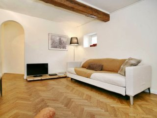 Riverside Charm apartment in Santa Maria Novella with WiFi, airconditioning