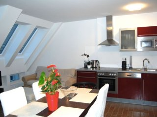 Mariahilfer Top 5 apartment in 15. Rudolfsheim-Funfhaus with WiFi & lift.