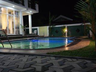 Dulux Duble Room with  Bath Tub, Negombo