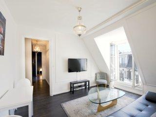 Rue de la Paix apartment in 02ème - La Bourse with WiFi & lift., Paris