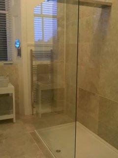 1st floor walk through shower
