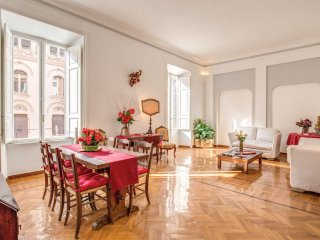 Spacious Dolce Vita House apartment in Via Veneto with WiFi, air conditioning, b