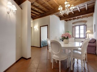 Charlotte apartment in Duomo with WiFi & integrated air conditioning.