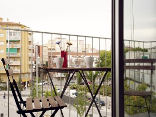 Plaza España E apartment in Sants with WiFi, air conditioning, balcony & lift.