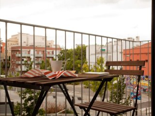 Plaza España D apartment in Sants with WiFi, air conditioning, balcony & lift.