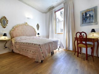 Melarancio Due apartment in San Lorenzo with WiFi & airconditioning (warm