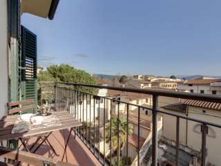 Capponcina apartment in San Marco with WiFi, airconditioning, balkon & lift., Compiobbi