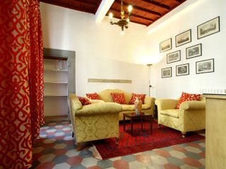 Ghibellina Antica apartment in Duomo with WiFi., Florence