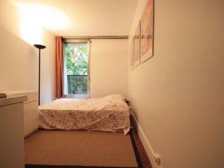 Faisanderie apartment in 16ème - Bois de Boulogne - Trocadero with WiFi & lift., Parijs