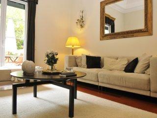 Chiado Belo apartment in Baixa/Chiado with WiFi, integrated air conditioning (ho