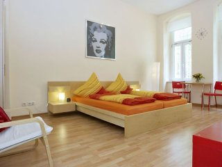 Prenzy Frenzy apartment in Prenzlauer Berg with WiFi & lift.