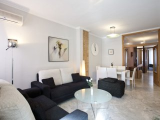 Castro Cultura apartment in El Carmen with WiFi, airconditioning (warm / koud) & lift., Valencia