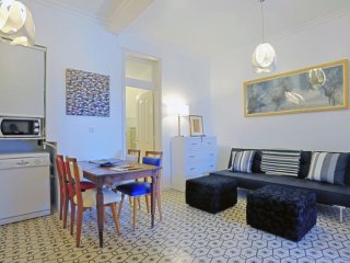 Costa do Castelo apartment in Castelo with WiFi & lift.