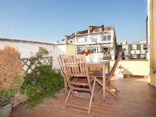 Sunny Diputacio apartment in Eixample Esquerra with WiFi, priveterras & lift.