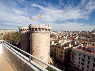 Torre Medieval apartment in Extramurs – Botanic with airconditioning (warm / koud), privéterras & l…, Valencia