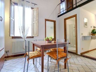Scala Suite apartment in Santa Maria Novella with WiFi & airconditioning (warm