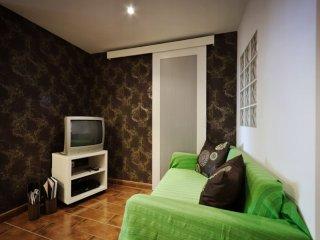Santa Marinha apartment in Alfama with WiFi & lift.