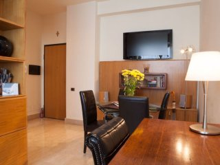 Casilina apartment in Porta Maggiore with airconditioning, privéparkeerplaats, Rome